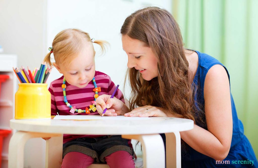Baby drawing with a babysitter - find the best babysitter with these babysitting tips